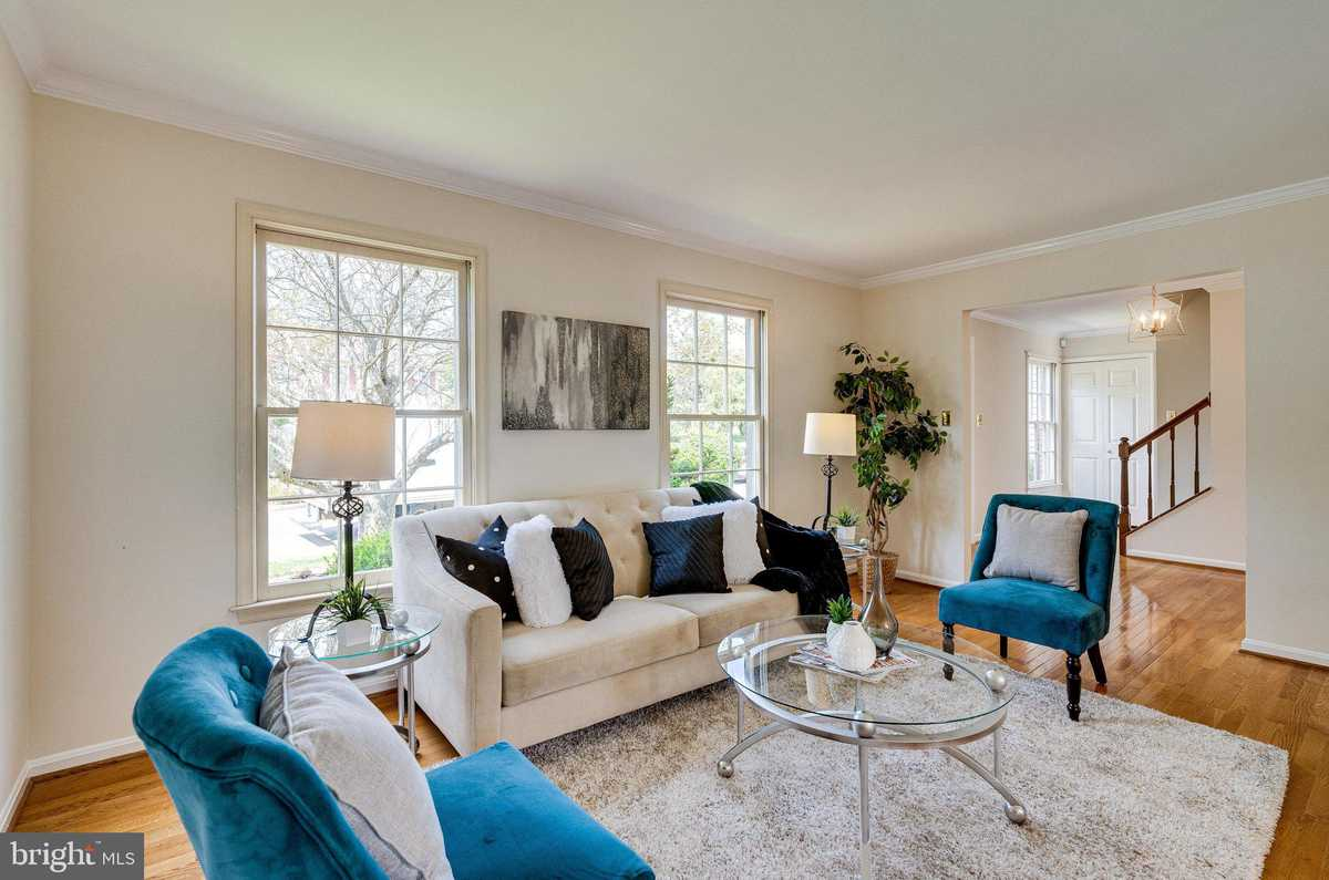 $625,000 - 4Br/3Ba -  for Sale in None Available, Centreville