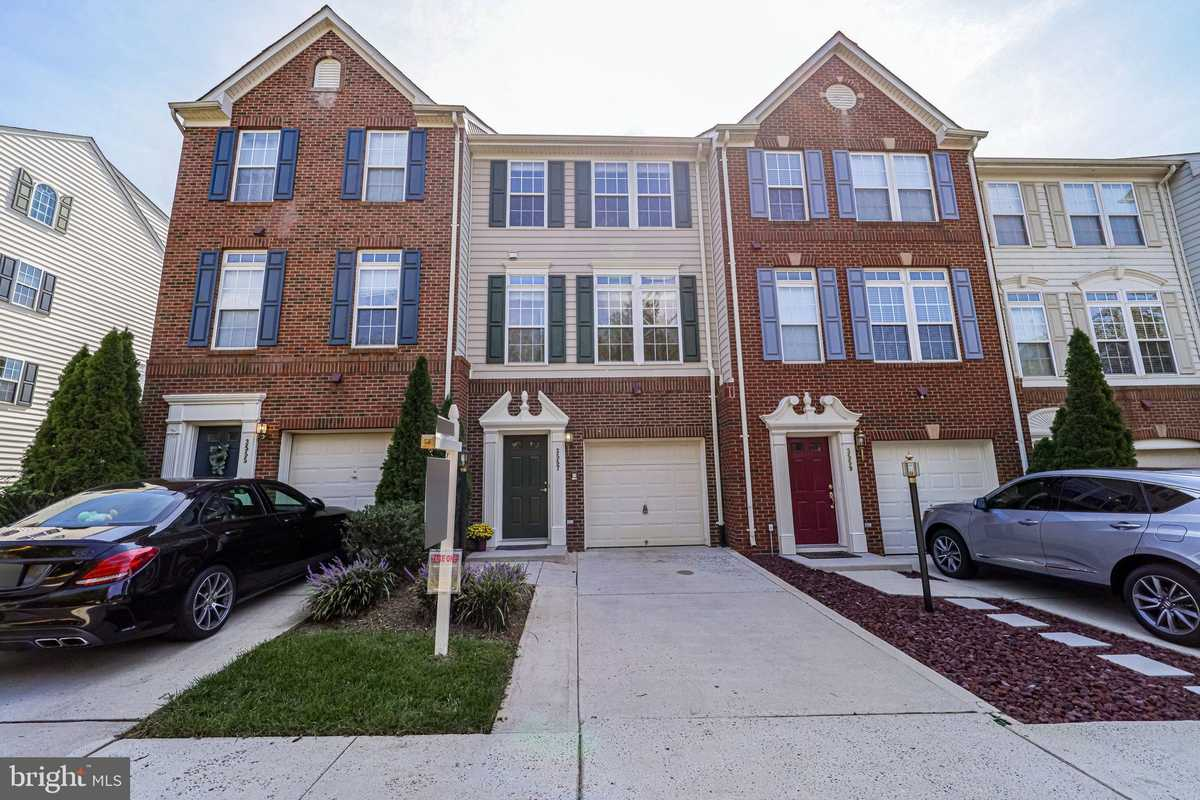 $599,000 - 4Br/5Ba -  for Sale in Ellery Place, Falls Church