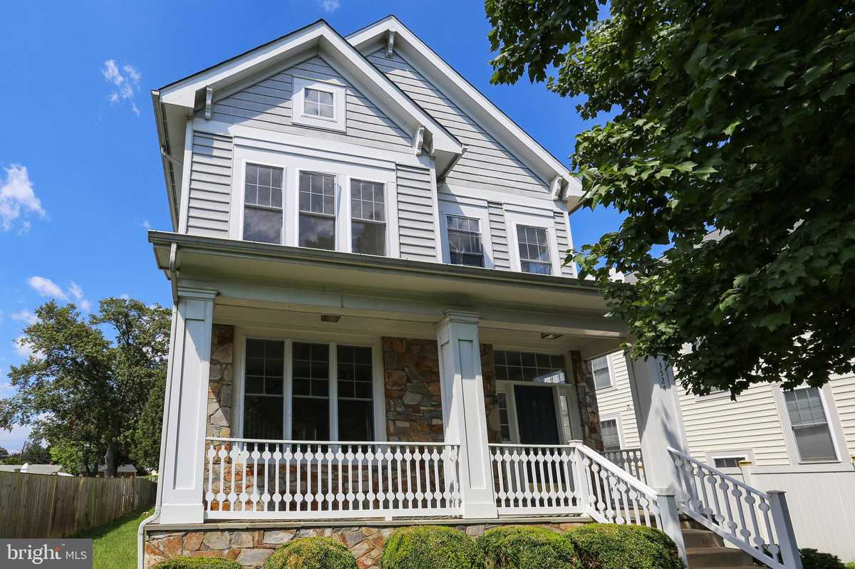 $930,000 - 4Br/5Ba -  for Sale in Courtland Park, Falls Church