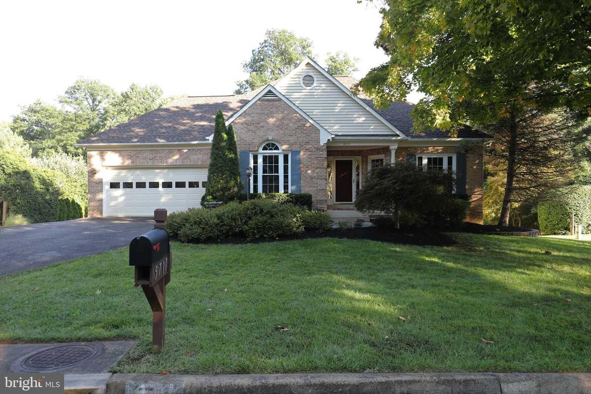 $699,900 - 4Br/3Ba -  for Sale in Sully Station Ii, Centreville