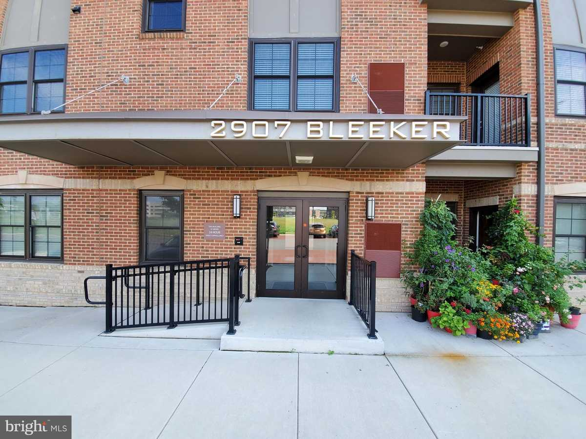 $585,000 - 2Br/2Ba -  for Sale in Metro West, Fairfax