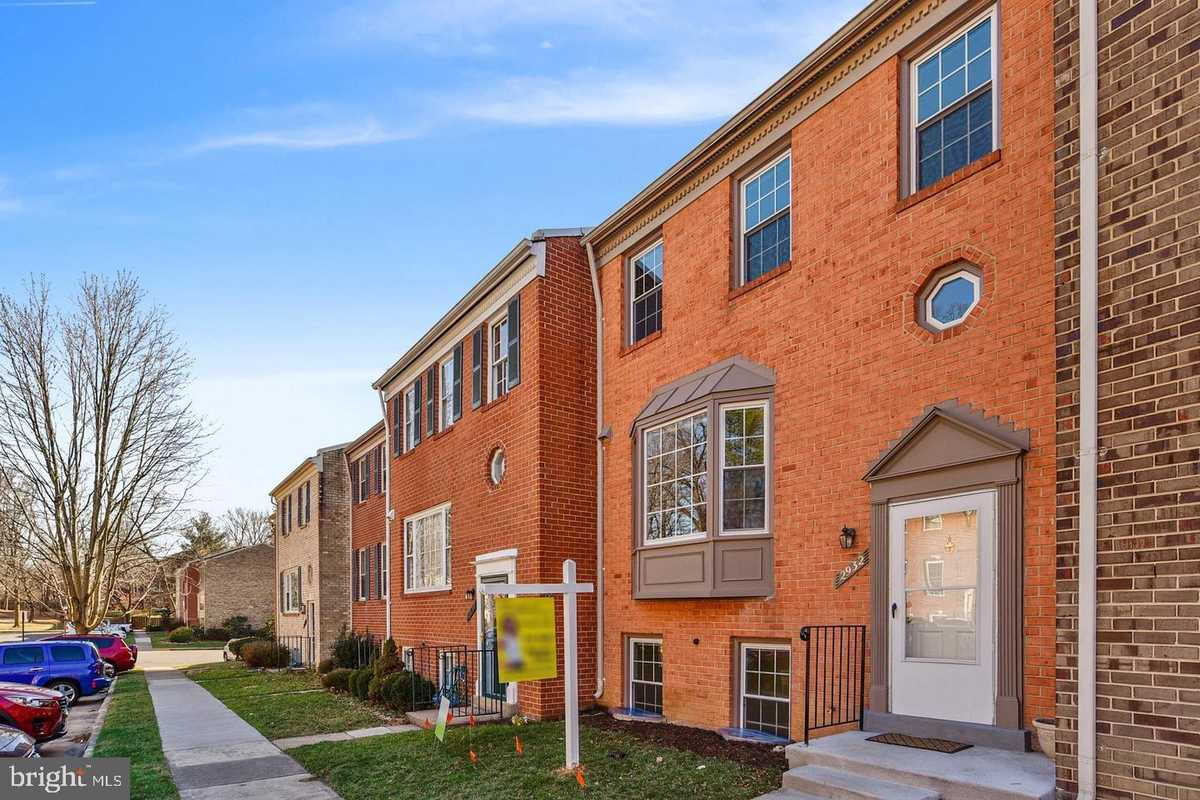 $695,000 - 4Br/4Ba -  for Sale in Waterford, Vienna
