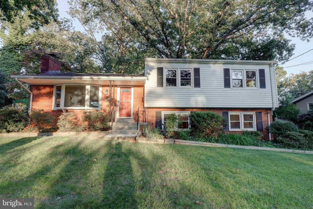$650,000 - 3Br/3Ba -  for Sale in Potomac Valley, Falls Church