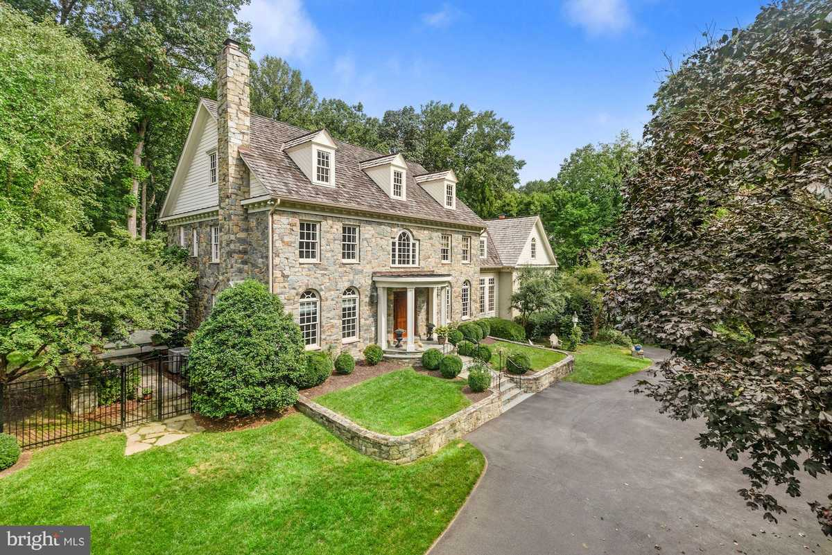 $2,650,000 - 5Br/7Ba -  for Sale in Chinquapin, Mclean