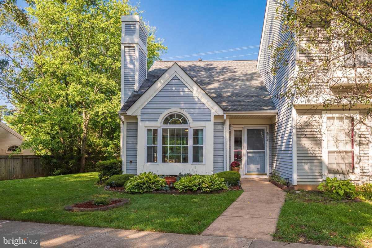 $379,000 - 2Br/2Ba -  for Sale in Woodgate Village, Centreville