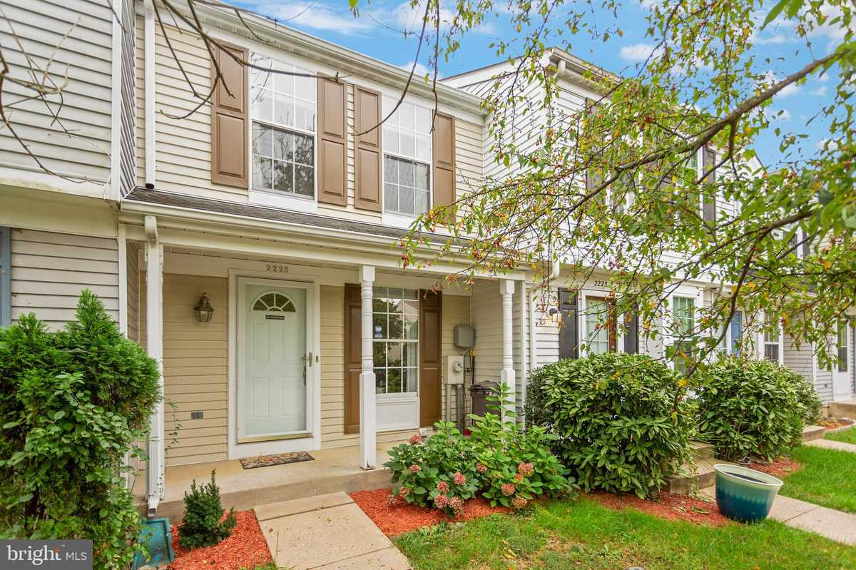 $230,000 - 2Br/2Ba -  for Sale in Parkview Trails, Baltimore
