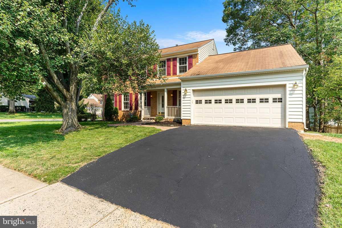 $779,900 - 4Br/4Ba -  for Sale in Middleridge, Fairfax
