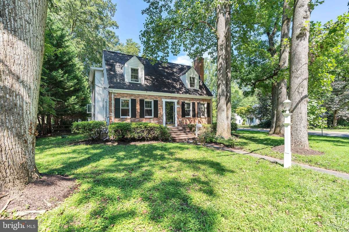 $1,169,000 - 4Br/4Ba -  for Sale in Virginia Forest, Falls Church