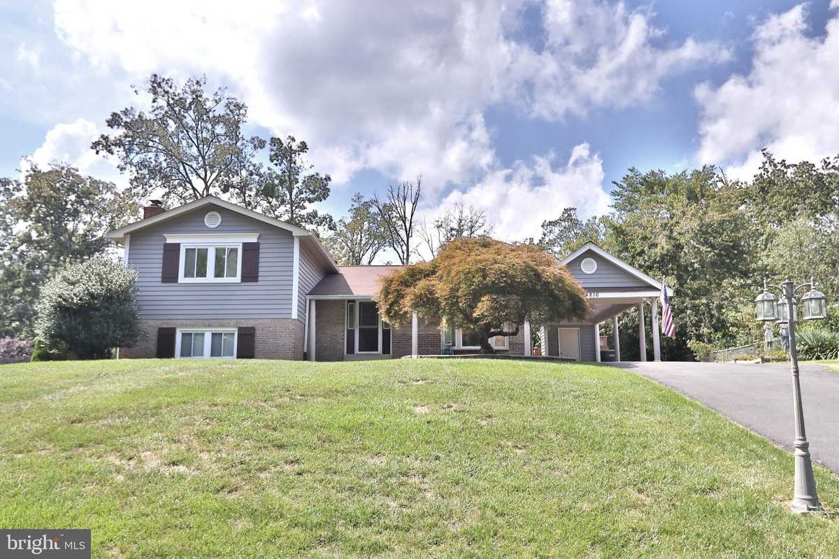 $870,000 - 5Br/4Ba -  for Sale in Tall Oaks, Annandale
