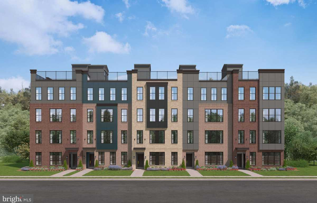 $529,990 - 2Br/3Ba -  for Sale in Ashbrook Place, Ashburn