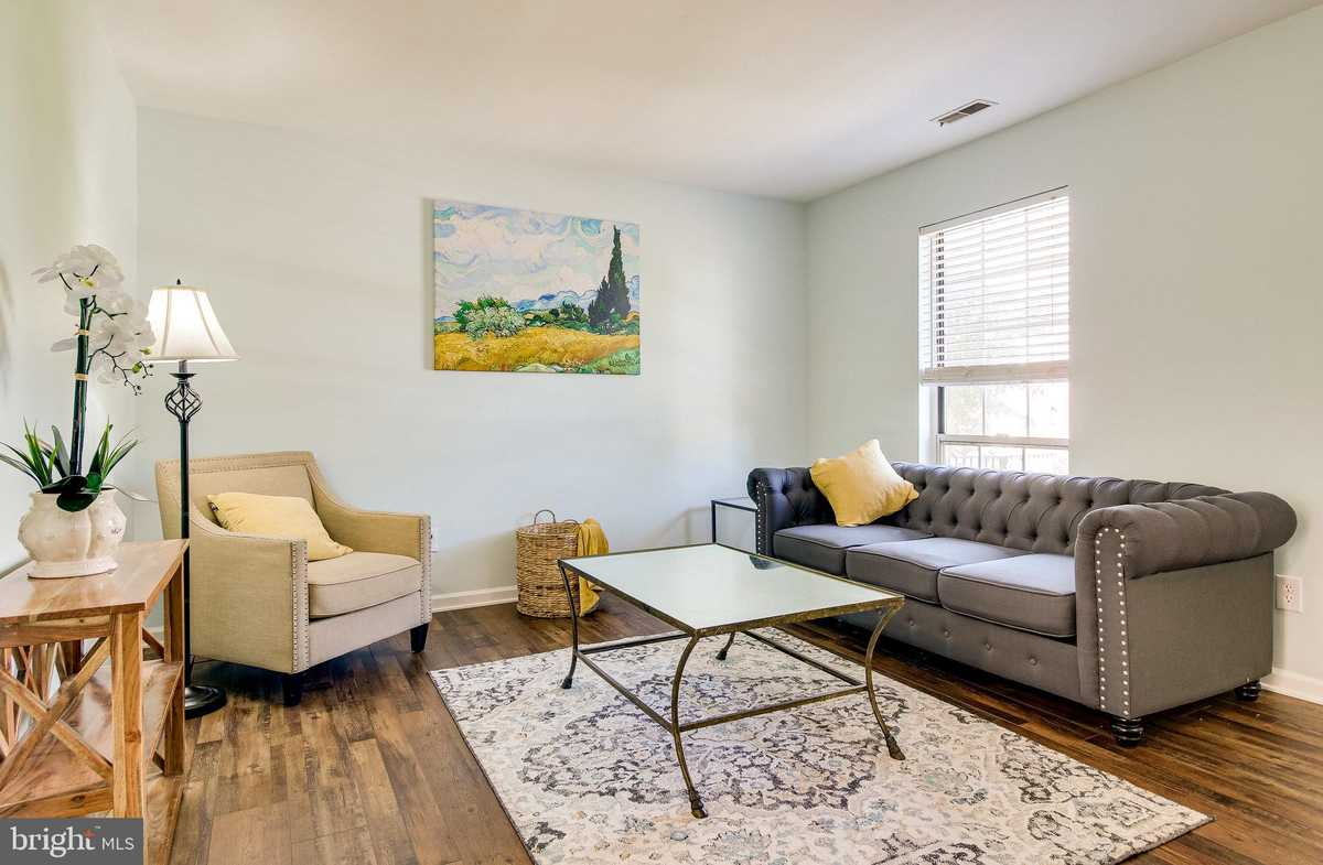 $489,000 - 3Br/3Ba -  for Sale in Franconia Commons, Alexandria