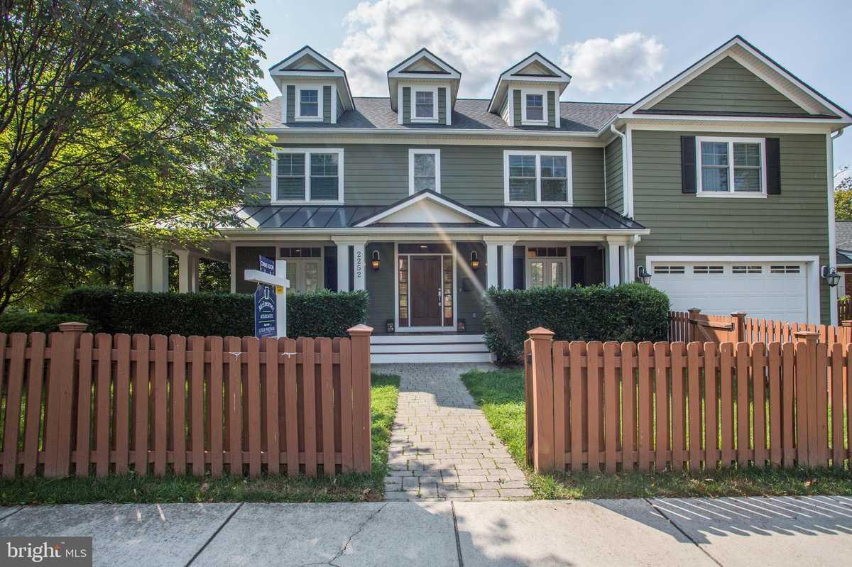 $1,750,000 - 5Br/6Ba -  for Sale in Over Lee Knolls, Arlington
