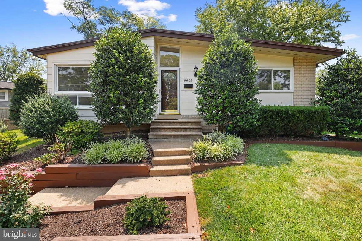 $549,900 - 3Br/2Ba -  for Sale in Springfield Estates, Springfield