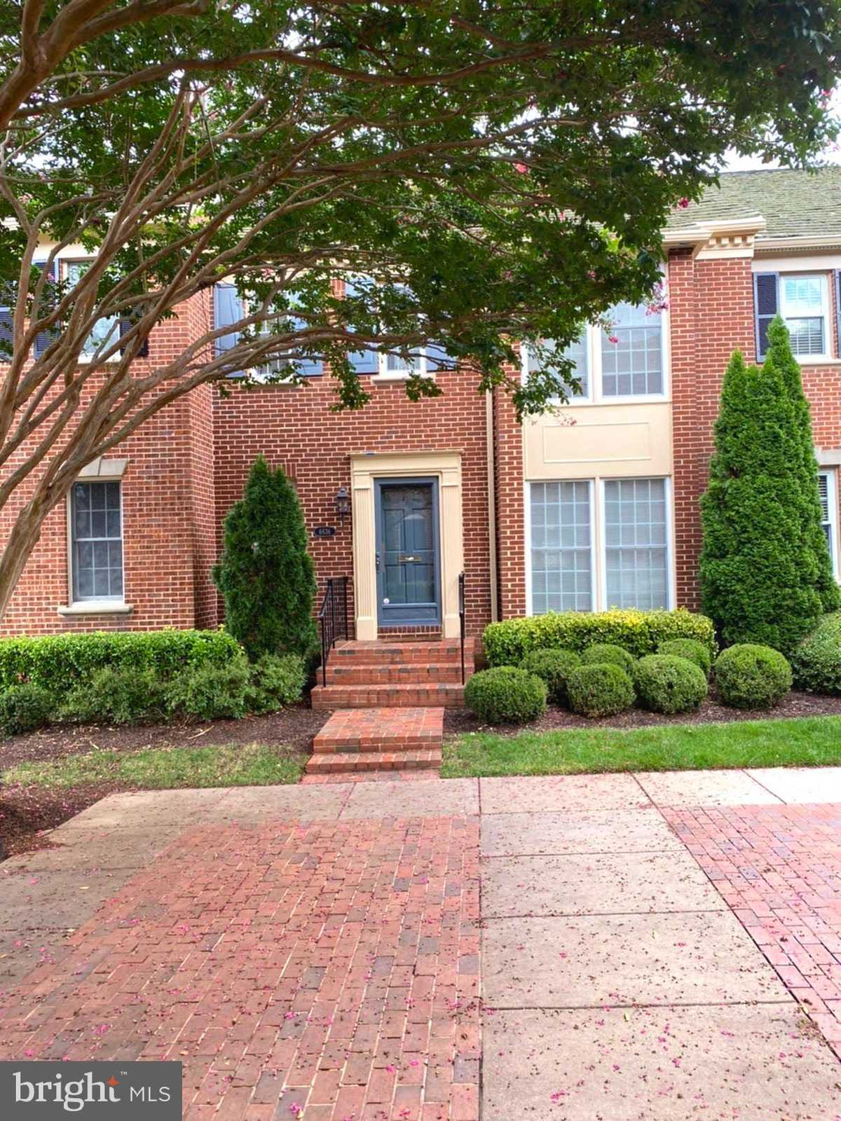 $879,000 - 3Br/4Ba -  for Sale in Madison Of Mclean, Mclean
