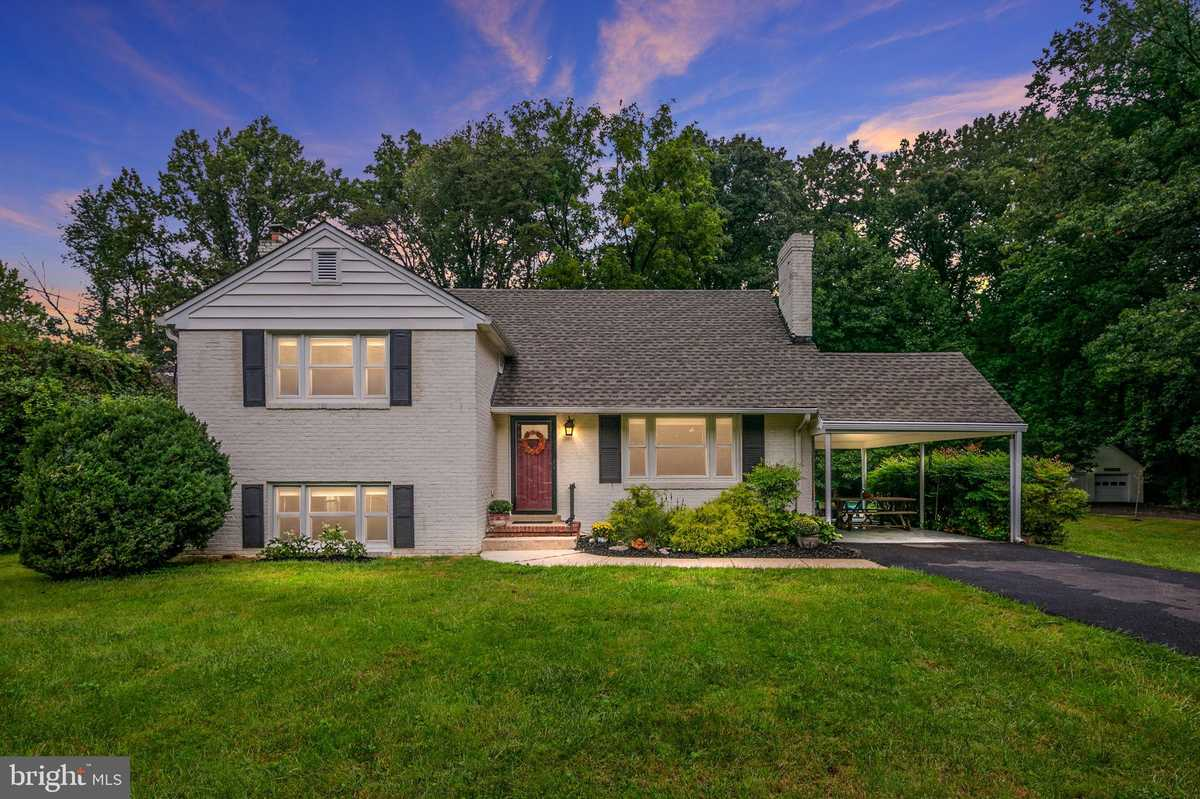 $798,800 - 4Br/3Ba -  for Sale in Warren Raymond L Prop, Fairfax