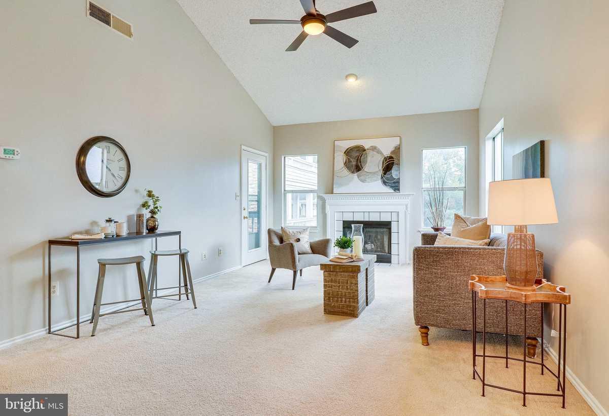 $240,000 - 1Br/1Ba -  for Sale in Stonecroft, Fairfax