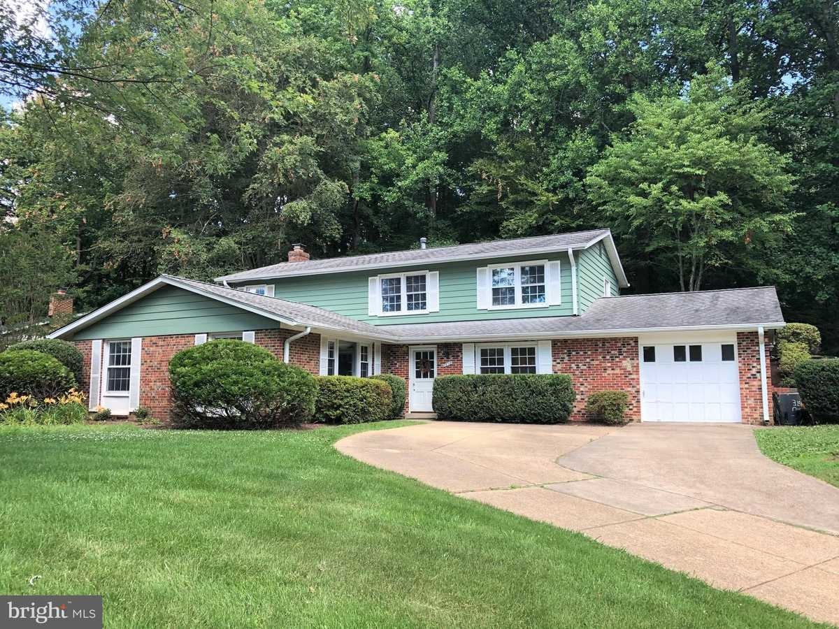 $779,000 - 4Br/3Ba -  for Sale in Sutton Place, Fairfax