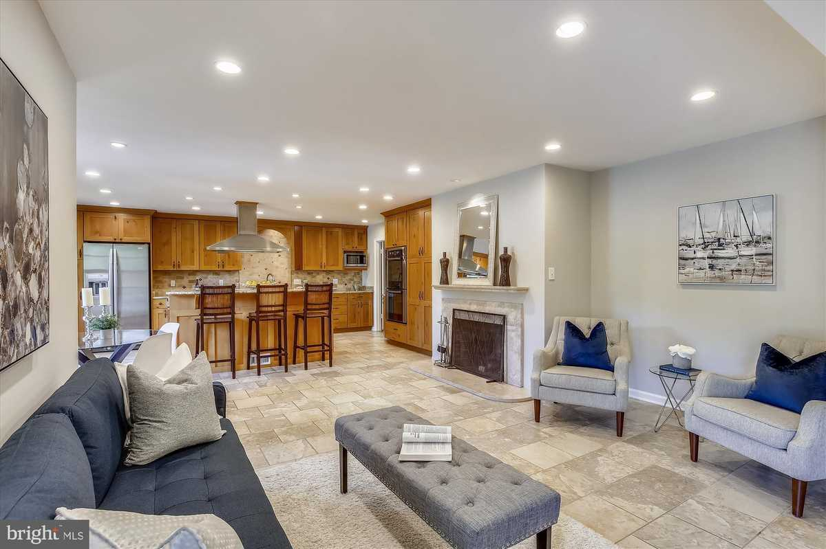 $1,099,000 - 5Br/3Ba -  for Sale in Chesterbrook Hills, Mclean