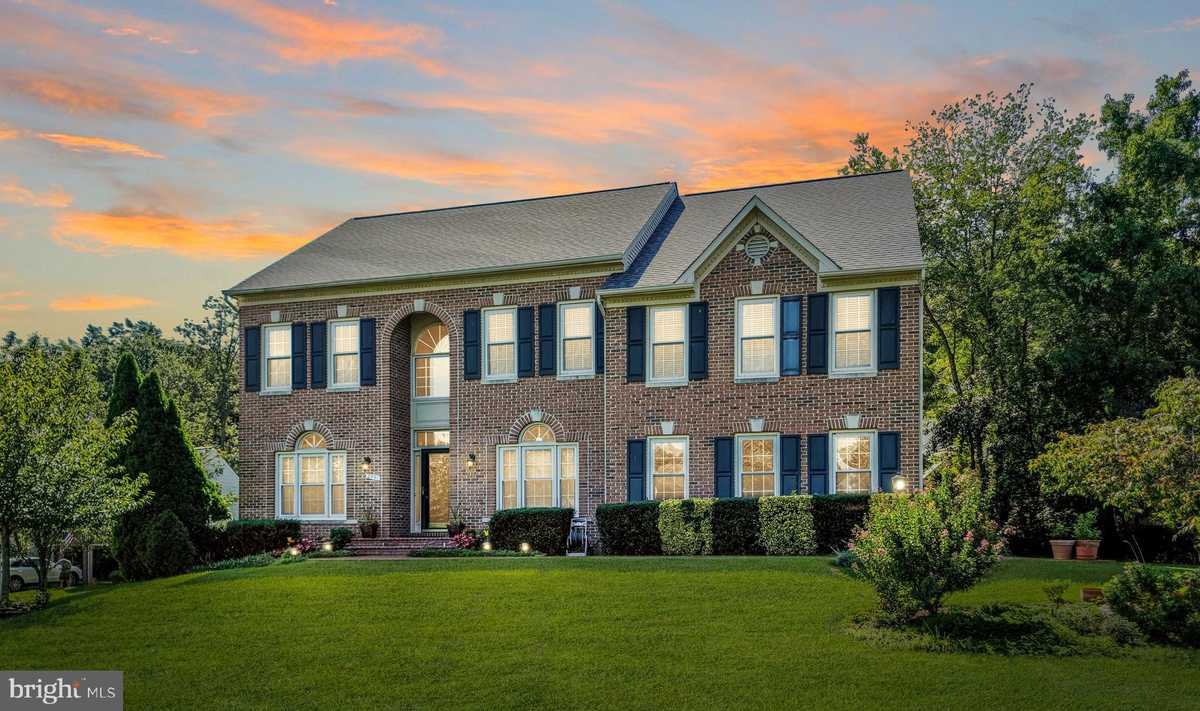 $999,500 - 6Br/4Ba -  for Sale in South Run Forest, Springfield