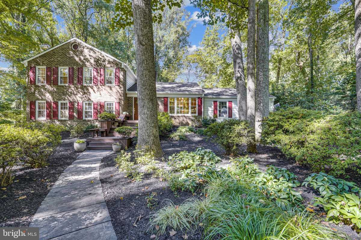 $1,075,000 - 5Br/4Ba -  for Sale in Hidden Forest, Great Falls