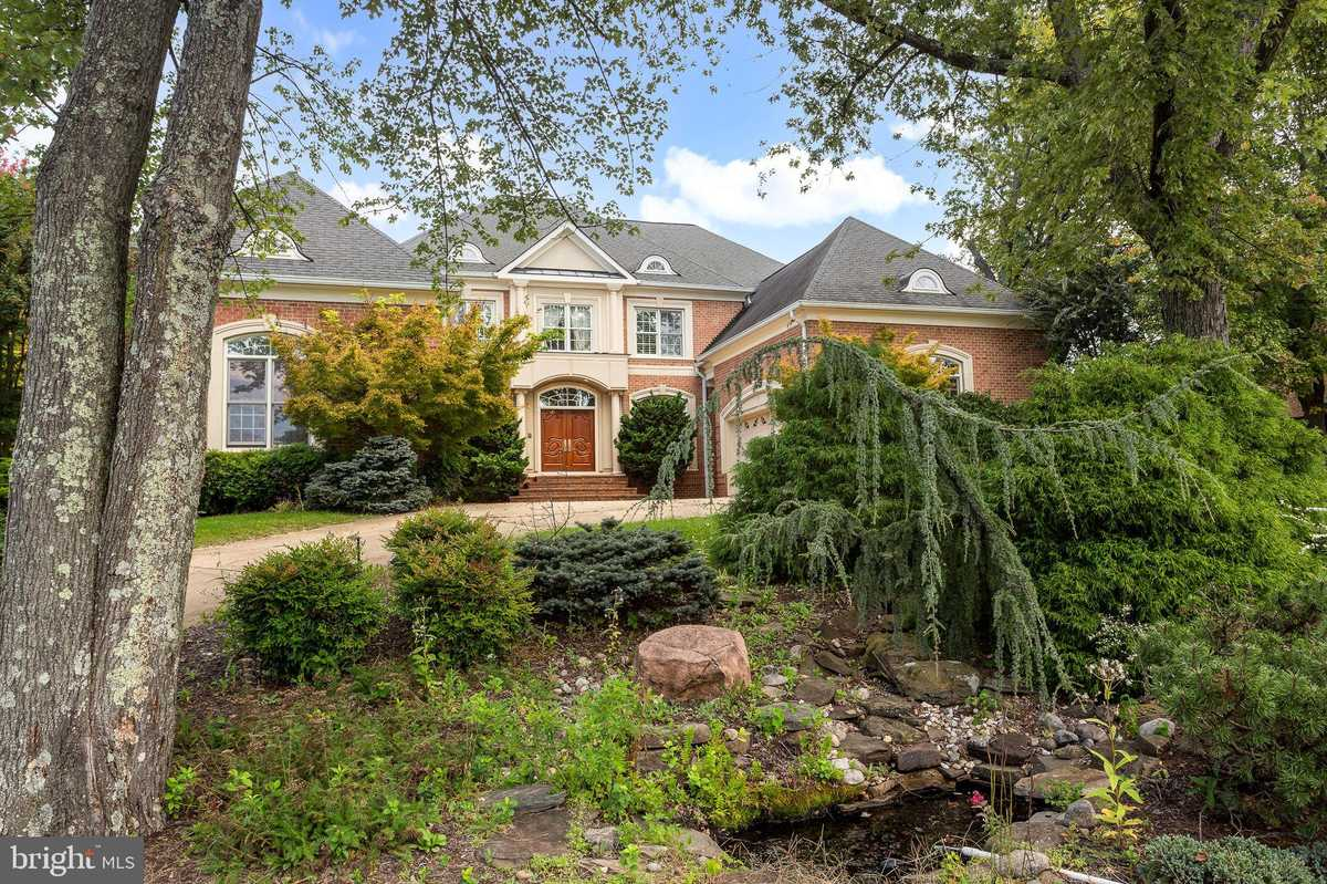 $2,395,000 - 7Br/7Ba -  for Sale in Ashgrove Woods, Mclean