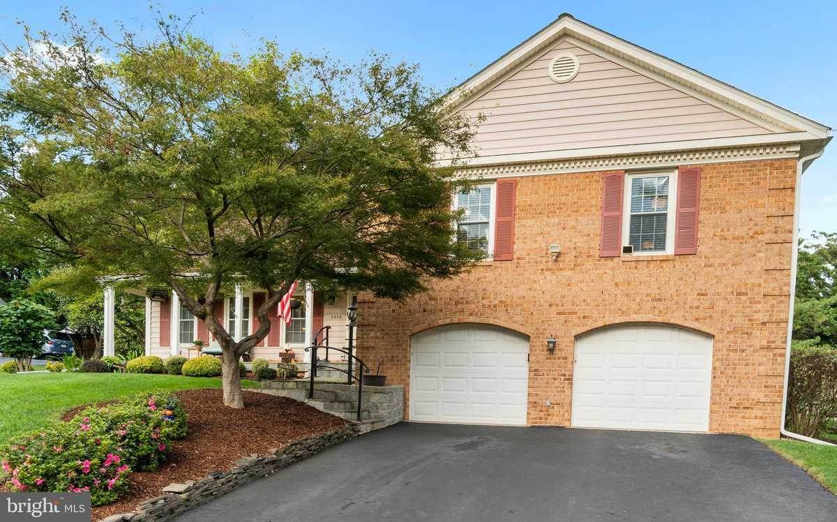 $800,000 - 4Br/4Ba -  for Sale in Meadows Of Narnia, Burke