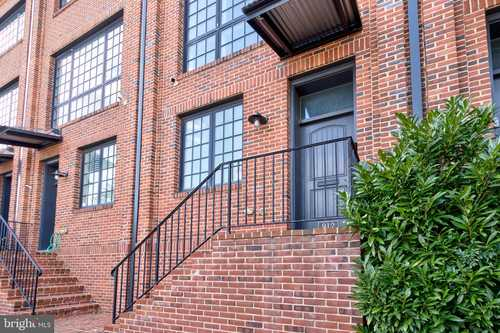 $625,000 - 3Br/3Ba -  for Sale in Brewers Hill, Baltimore