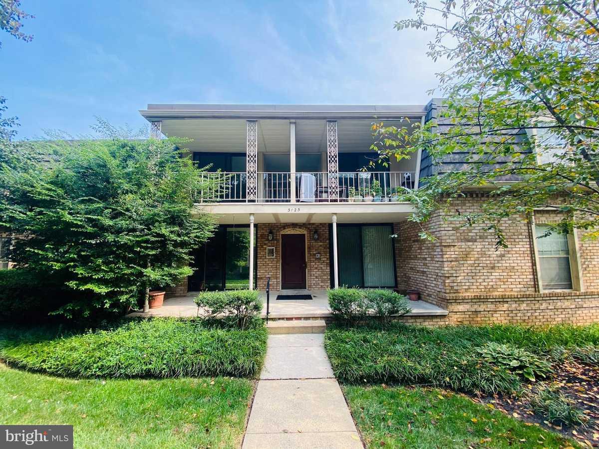 $319,000 - 2Br/2Ba -  for Sale in Chateaux Condo, Falls Church