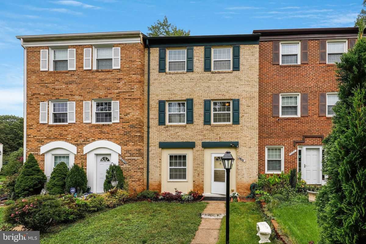 $408,400 - 4Br/4Ba -  for Sale in London Towne, Centreville