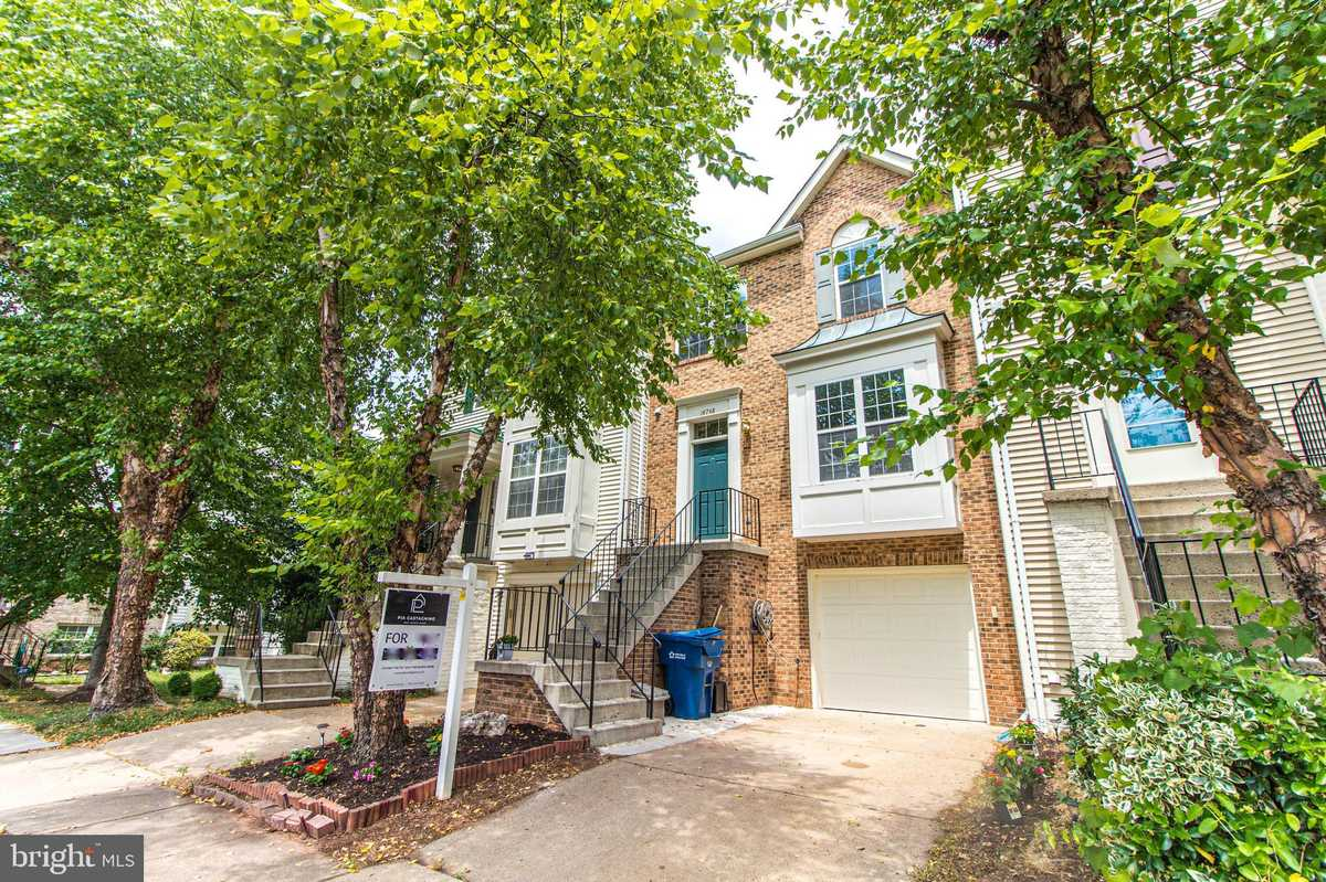 $499,900 - 3Br/4Ba -  for Sale in Sully Station Ii, Centreville