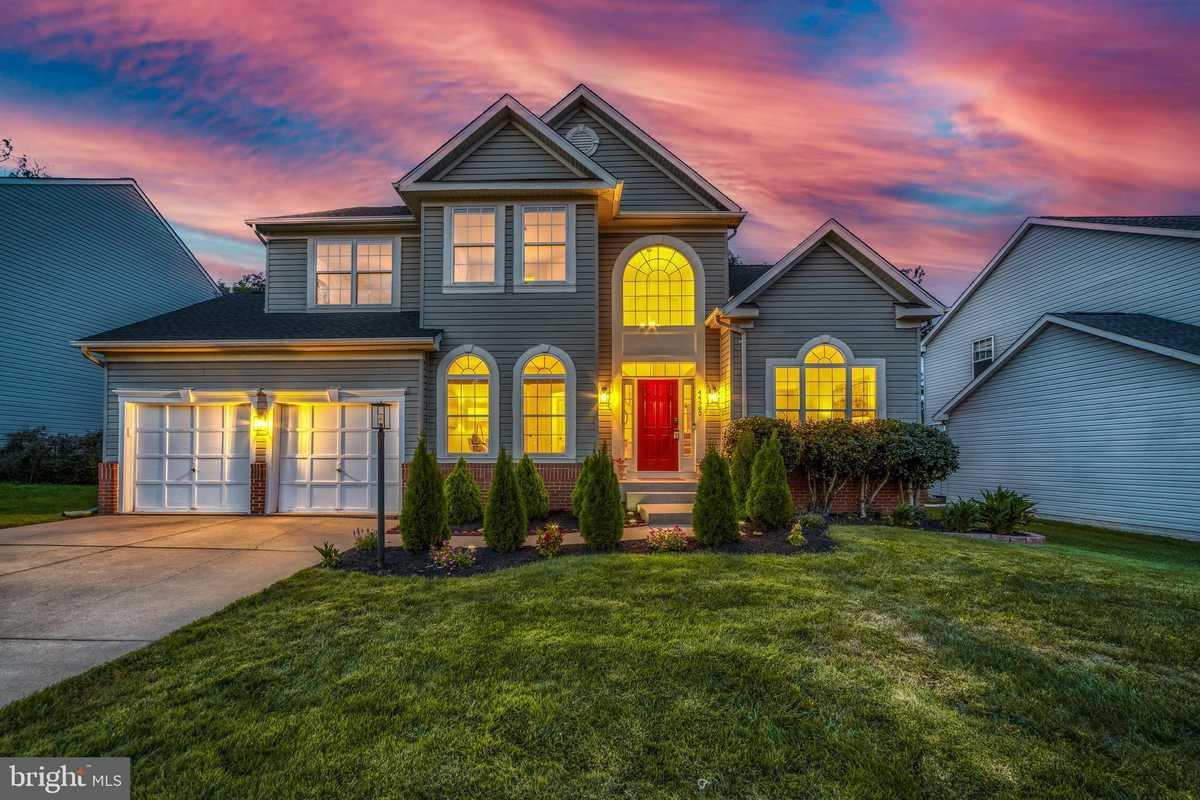 $750,000 - 4Br/4Ba -  for Sale in Ashburn Village, Ashburn