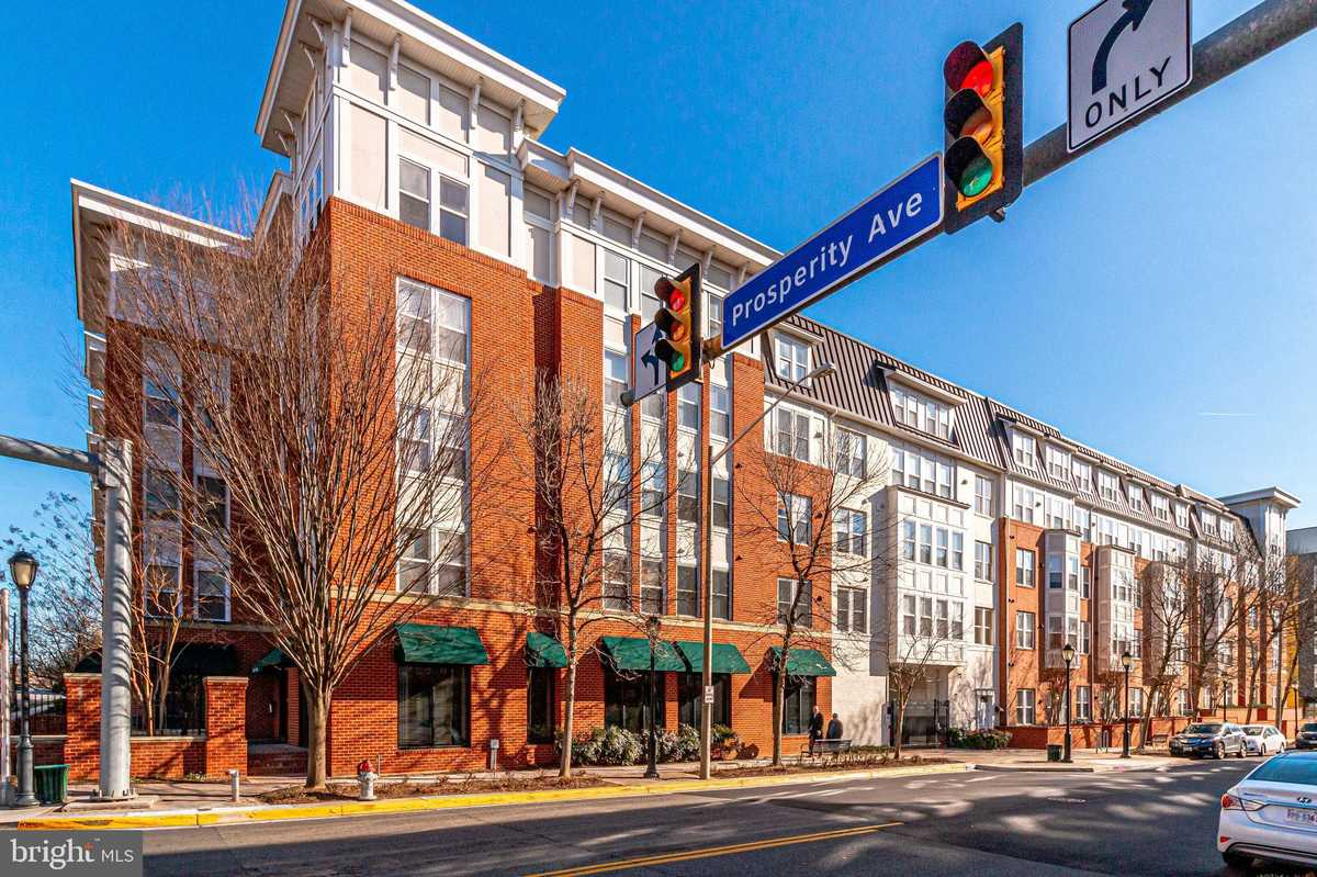 $349,900 - 1Br/1Ba -  for Sale in Halstead At The Metro, Fairfax