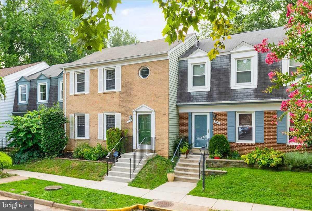 $2,480 - 3Br/4Ba -  for Sale in Villa D Este Village, Fairfax