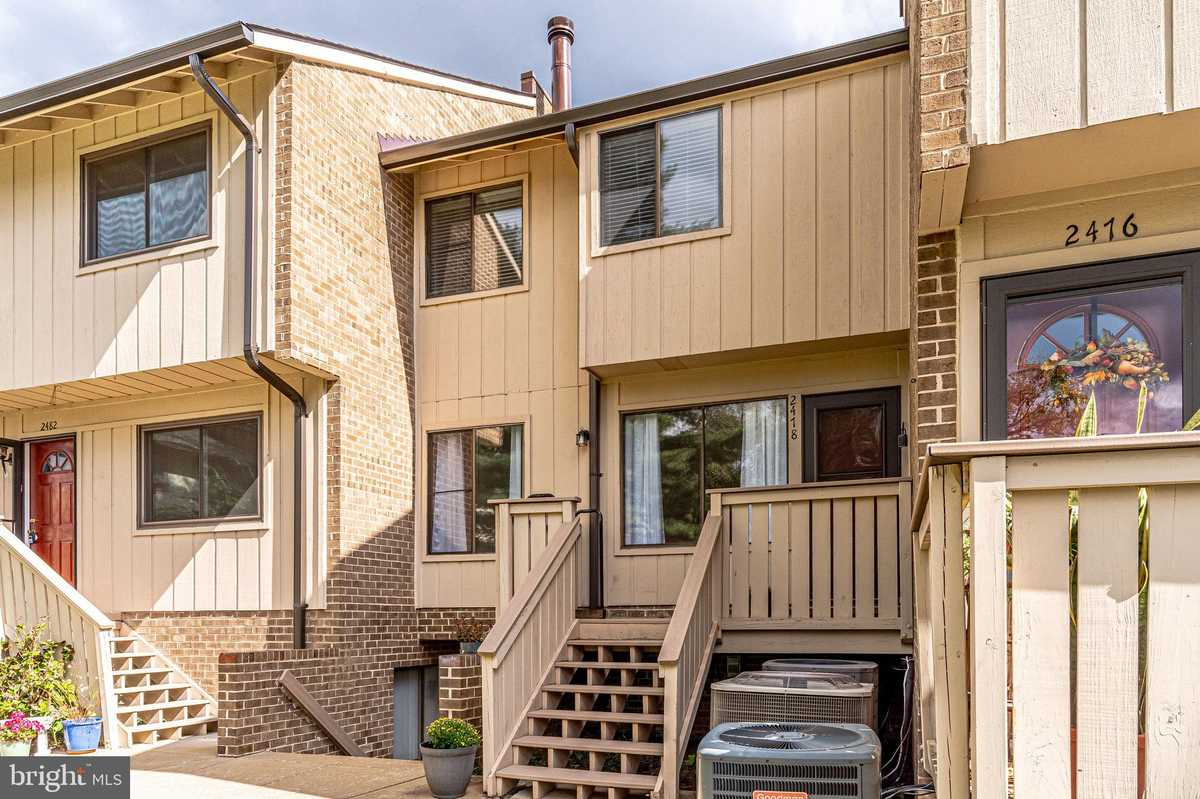 $2,300 - 3Br/2Ba -  for Sale in Mosbys Landing, Vienna