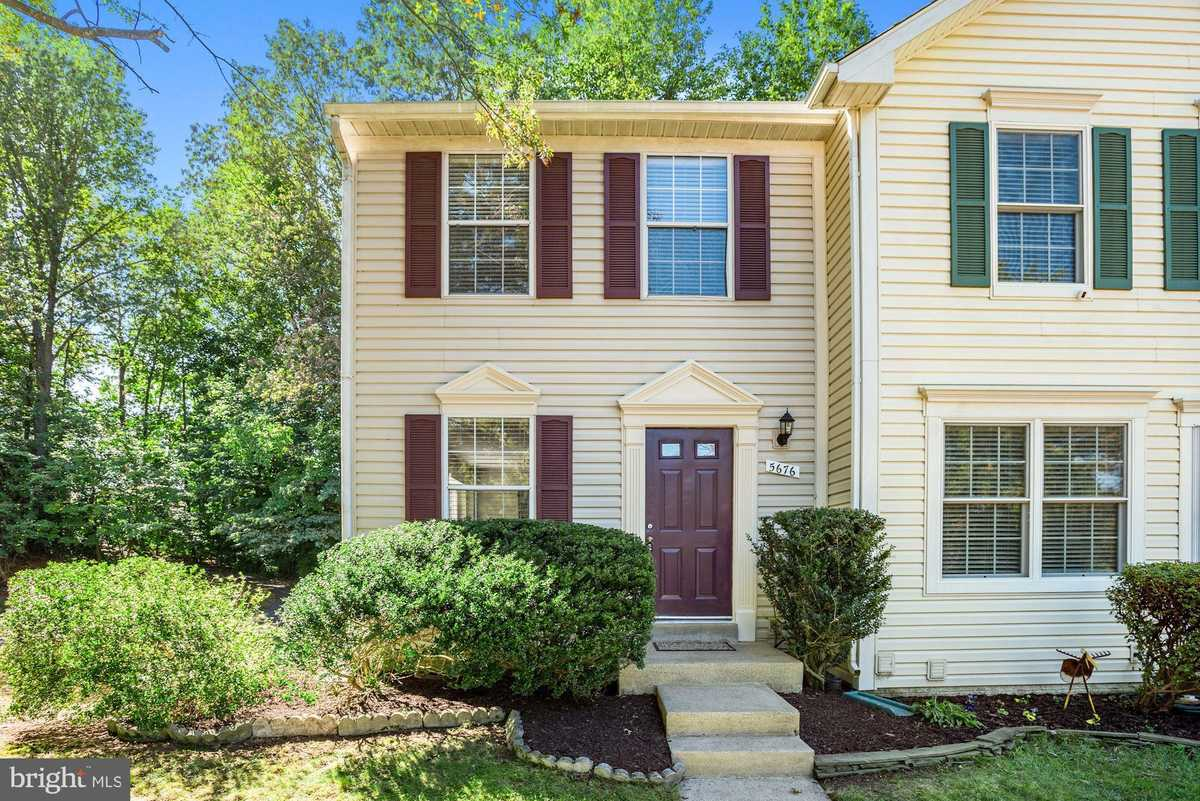 $400,000 - 2Br/3Ba -  for Sale in Centreville Green, Clifton