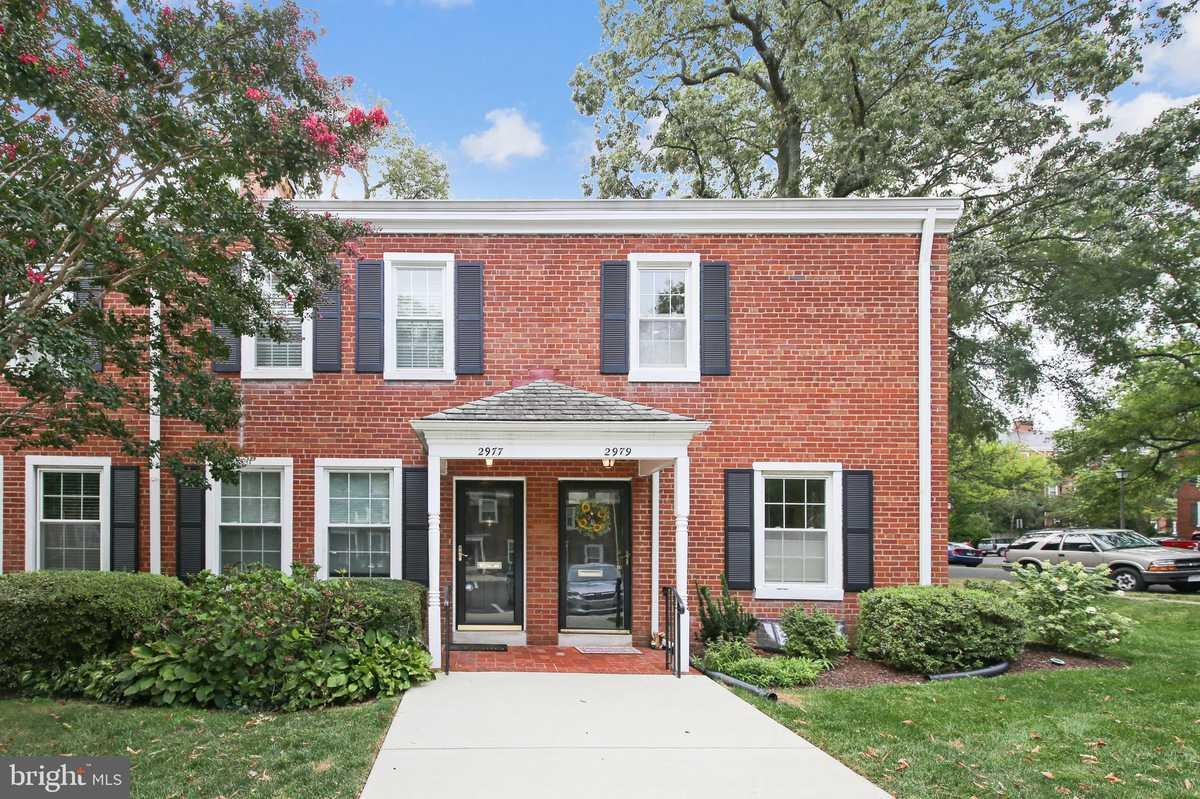 $649,000 - 2Br/2Ba -  for Sale in Fairlington Villages, Arlington