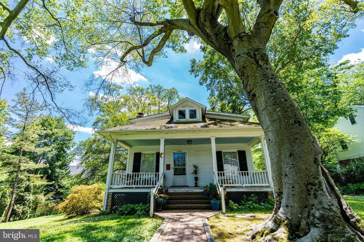$1,349,500 - 4Br/2Ba -  for Sale in Isaac Crossman Estate, Falls Church