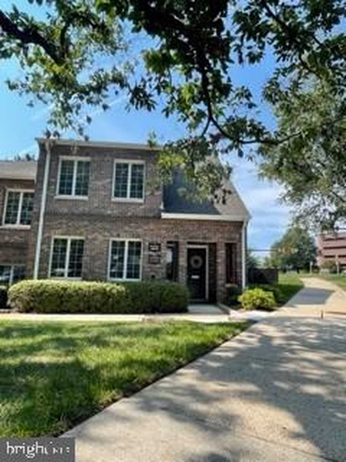 $2,300 - Br/Ba -  for Sale in Bowman Green, Reston