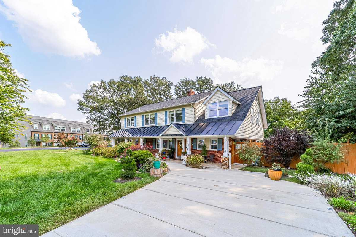 $859,900 - 6Br/3Ba -  for Sale in Walhaven, Alexandria
