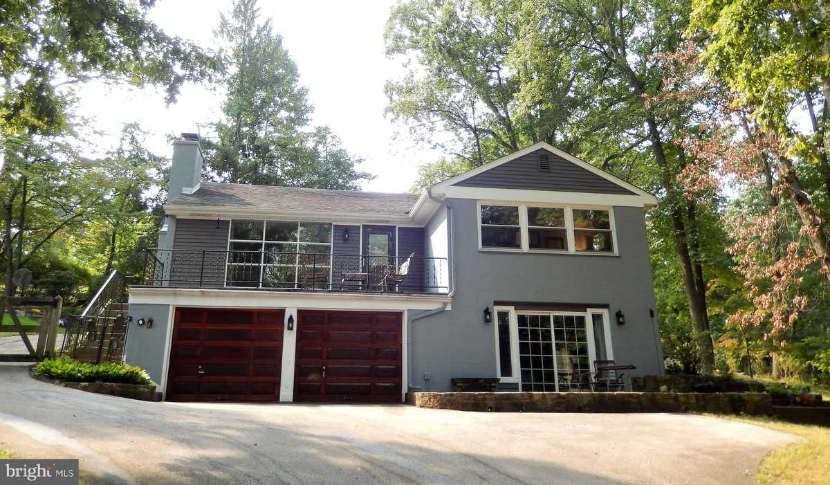 $549,000 - 4Br/2Ba -  for Sale in None Available, Media