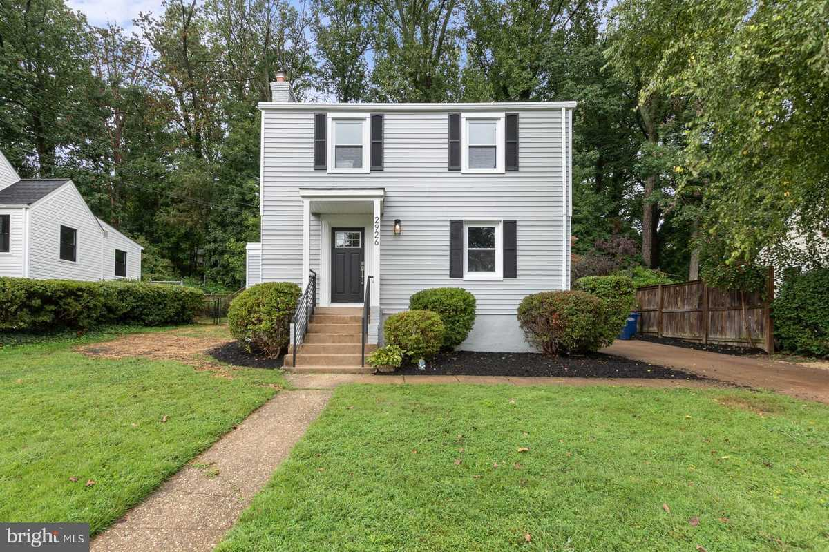 $899,900 - 4Br/4Ba -  for Sale in City Park Homes, Falls Church