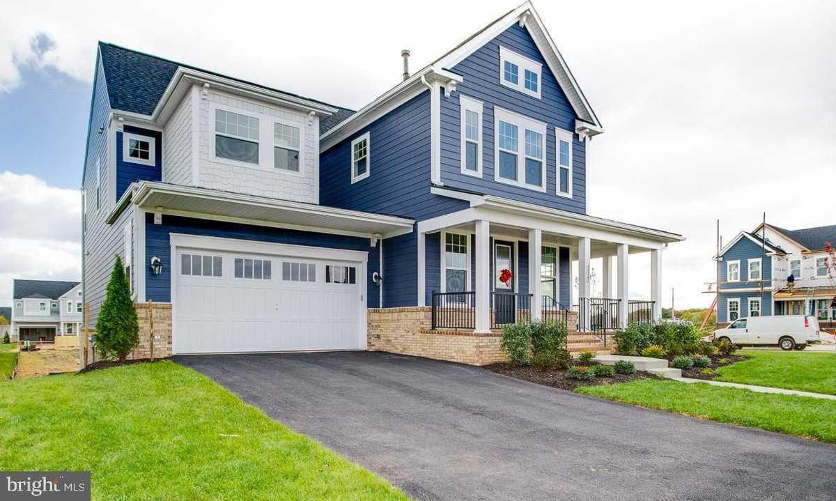 $889,990 - 4Br/3Ba -  for Sale in Meadowbrook, Leesburg