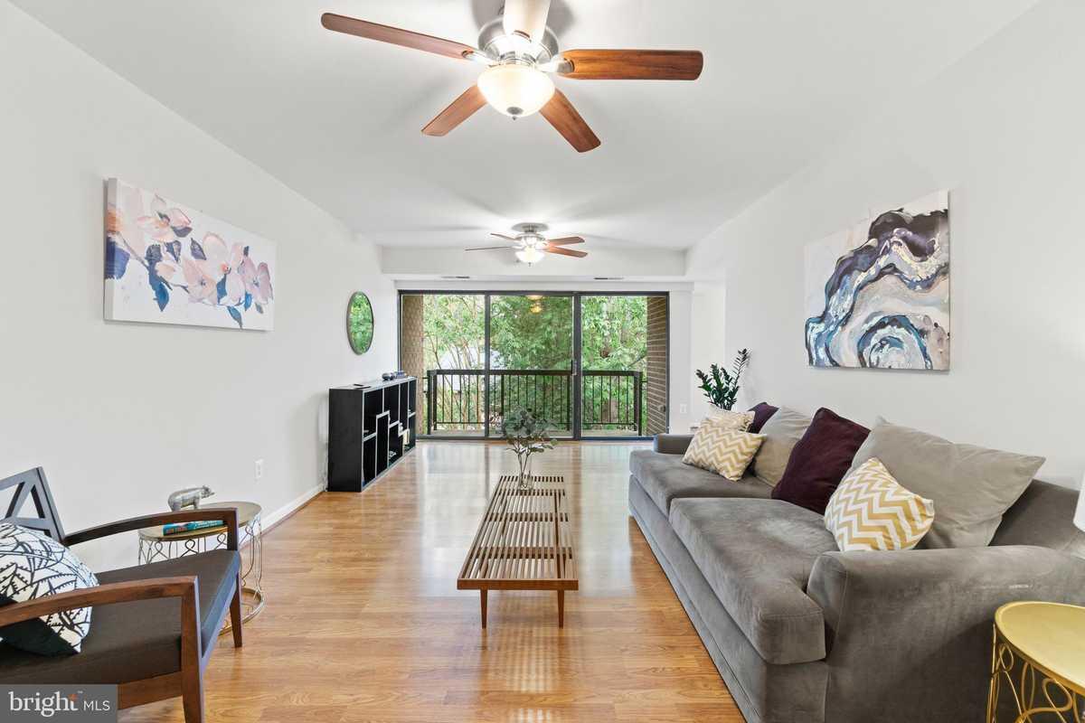 $292,000 - 2Br/2Ba -  for Sale in Hawthorne Village, Fairfax
