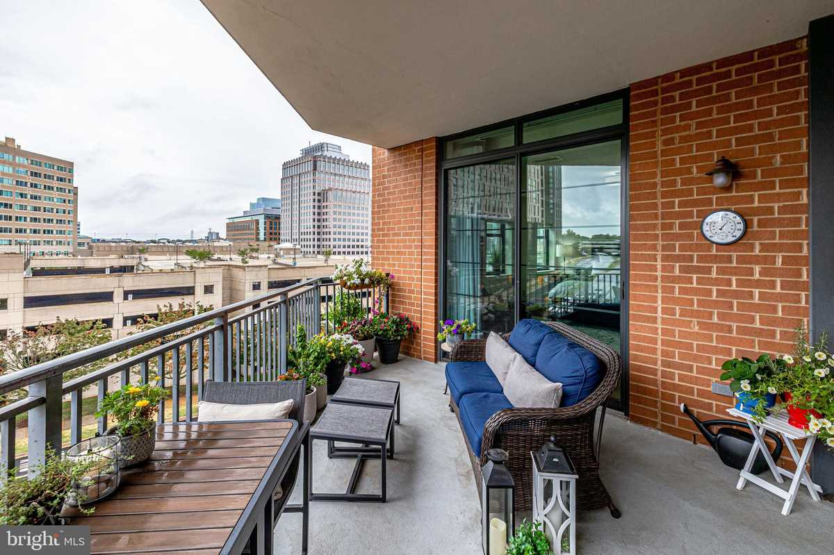 $799,000 - 3Br/3Ba -  for Sale in The Paramount, Reston