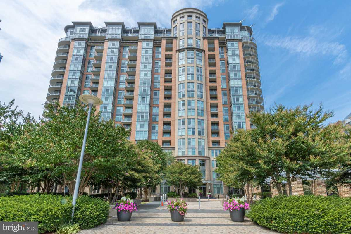 $729,000 - 2Br/2Ba -  for Sale in None Available, Mclean