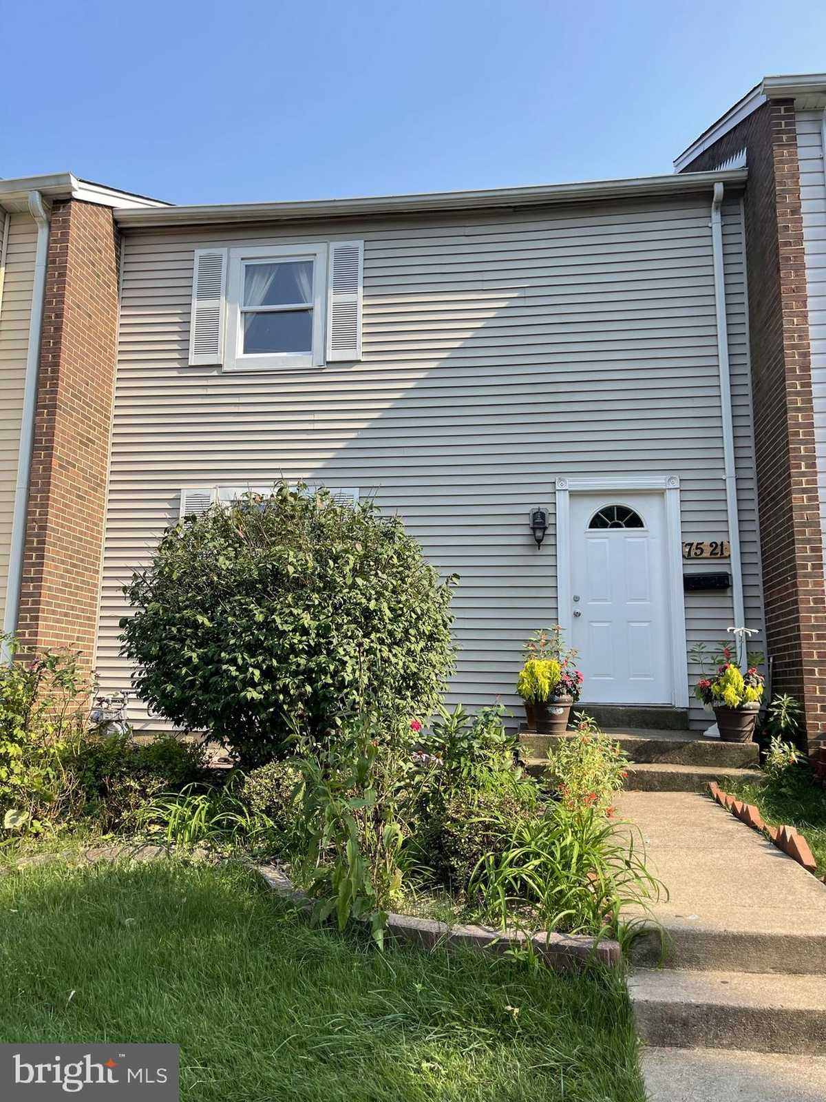$319,900 - 3Br/3Ba -  for Sale in Sudley Place, Manassas
