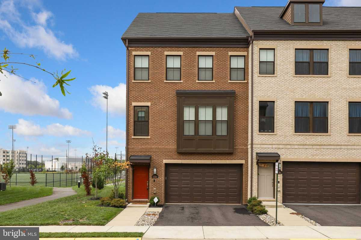 $770,000 - 4Br/5Ba -  for Sale in Discovery Square, Herndon