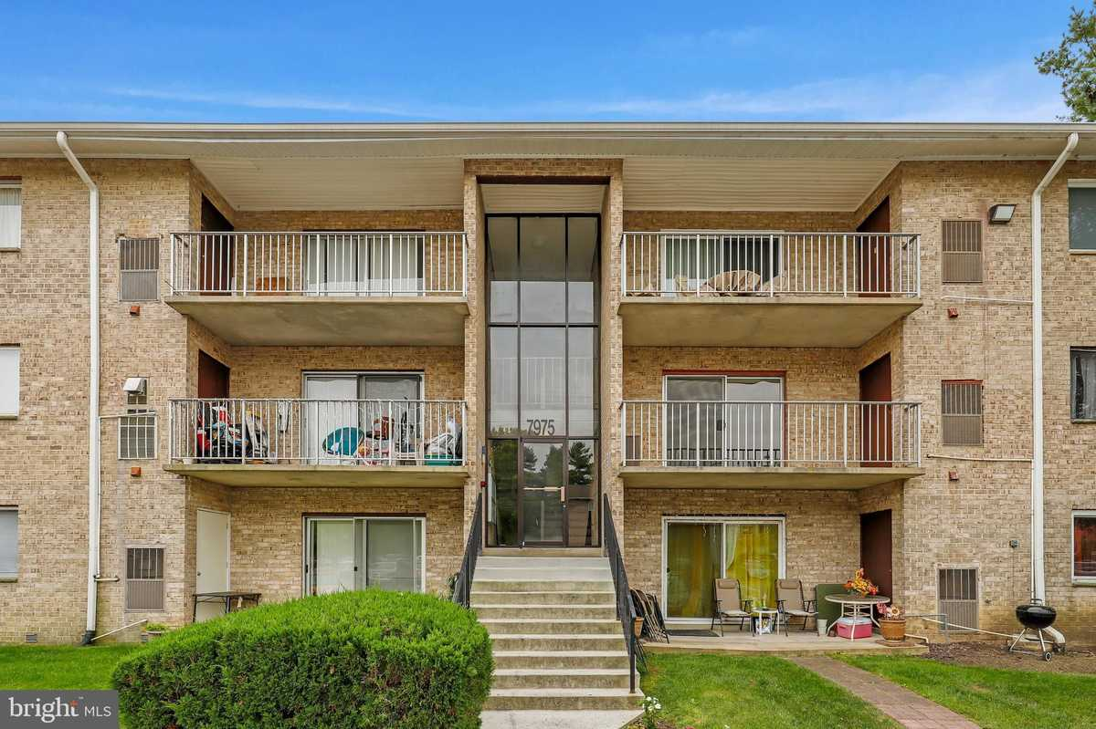 $182,000 - 2Br/2Ba -  for Sale in Colchester Towne Cond, Alexandria