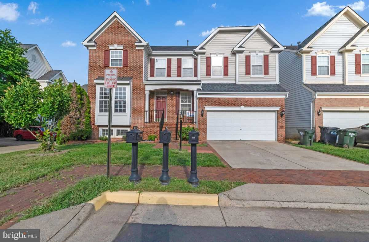 $749,900 - 6Br/4Ba -  for Sale in Rockland Village, Chantilly