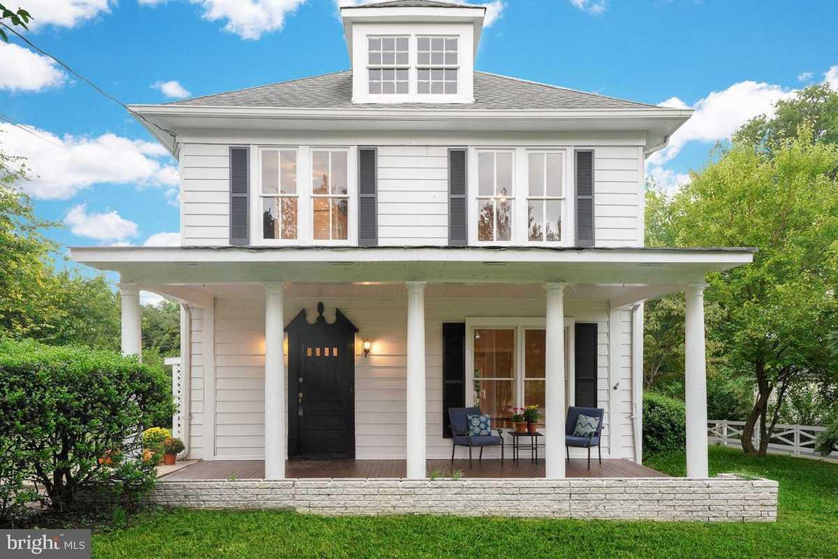$1,350,000 - 4Br/2Ba -  for Sale in Cherrydale, Arlington